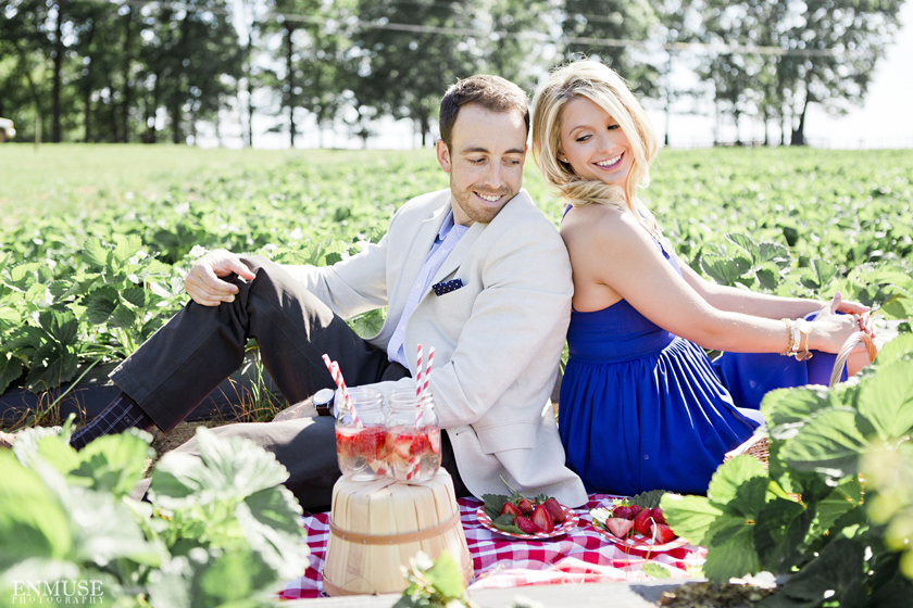01 Strawberry Farm Engagement Session 0523